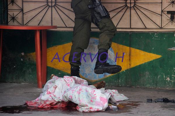 Belém,Pará,Brasil, POLICIA. Bairro da Terra Firme,um dos bairros mais violentos de Belém( Anderson Santana Gomes-rua 27 de Setembro, assassinado com varios tiros). 06/06/2017. Foto: Ney Marcondes.