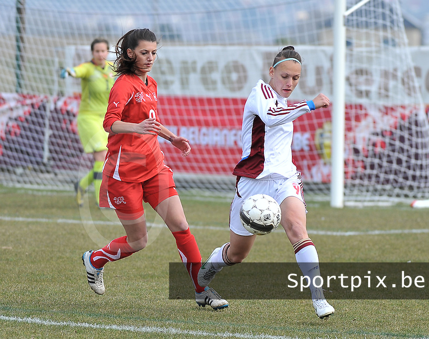 Switzerland U19 - Russia U19 : Elmira Piskunova on the ball before Florijana Ismaili (left).foto DAVID CATRY / Nikonpro.be
