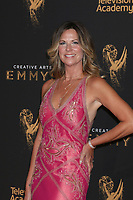 LOS ANGELES - SEP 9:  Mo Collins at the 2017 Creative Emmy Awards at the Microsoft Theater on September 9, 2017 in Los Angeles, CA