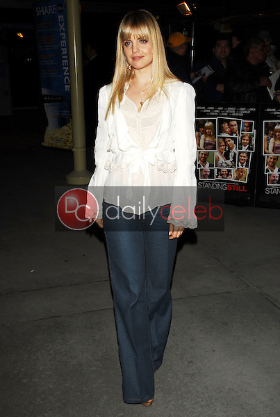 Mena Suvari<br />