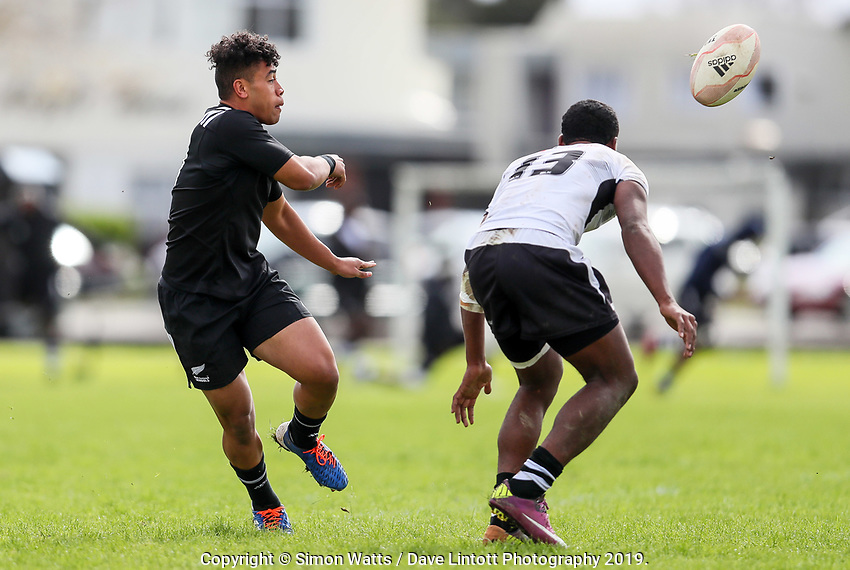 Manu Paea passes during the rugby union match between New Zealand Schools and Fiji Schools at Hamilton Boys' High School in Hamilton, New Zealand on Monday, 30 September 2019. Photo: Simon Watts / lintottphoto.co.nz
