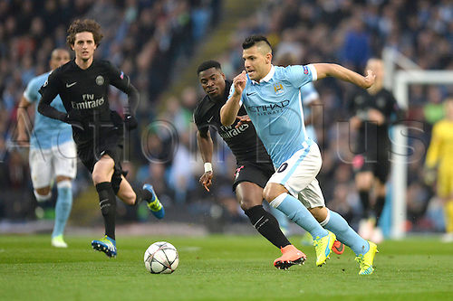 12.04.2016. manchester, England. UEFA Champions league, quarterfinals, second leg. Manchester City versus Paris St Germain.  SERGE AURIER (psg) outpaced by SERGIO AGUERO (man)