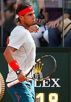 Lo spagnolo Rafael Nadal esulta durante gli Internazionali d'Italia di tennis a Roma, 18 Maggio 2013..Spain's Rafael Nadal reacts after winning a point during the Italian Open Tennis tournament ATP Master 1000 in Rome, 18 May 2013.UPDATE IMAGES PRESS/Isabella Bonotto