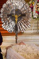 Rio de Janeiro (RJ), 08/07/2019 - Velório / João Gilberto - <br /> Movimentação de familiares e amigos no velório do músico João Gilberto realizado no Theatro Municipal do Rio de Janeiro, no centro da cidade, na manhã desta segunda-feira, 8 de julho de 2019. Ele será sepultado no Cemitério Parque da Colina, em Niterói, em um jazigo da família, às 16h. Pai da Bossa Nova, João Gilberto morreu no sábado, 6, aos 88 anos, no apartamento onde morava, no bairro do Leblon, na zona sul. A causa da morte não foi divulgada. (Foto: Vanessa Ataliba/Brazil Photo Press)