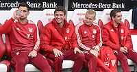 Fussball  1. Bundesliga  Saison 2015/2016  29. Spieltag  VfB Stuttgart  - FC Bayern Muenchen    09.04.2016 FC Bayern Muenchen Ersatzbank; Torwart Sven Ulreich, Thomas Mueller, Sebastian Rode und Philipp Lahm (v.li.)
