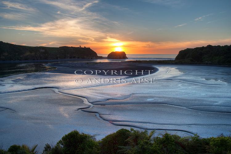 Tongaporutu River mouth. Taranaki Region. New Zealand.