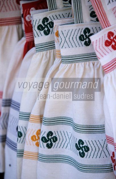 Europe/France/Aquitaine/64/Pyrénées-Atlantiques/Biarritz: Détail tissages basques d'une boutique rue Mazagran
