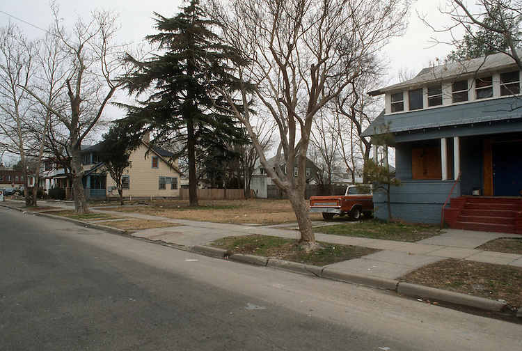 1994 February 24..Conservation.Park Place..LOTS FOR SALE.PARCEL 96B & 96A.NORTHSIDE OF 34TH  STREET...NEG#.NRHA#..