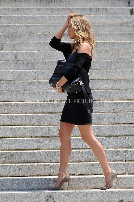 WWW.ACEPIXS.COM . . . . .  ....August 4 2009, New York city....Actress Jennifer Aniston was on the Manhattan set of the new movie 'Bounty' on August 4 2009 in New York City....Please byline: KRISTIN CALLAHAN - ACEPIXS.COM.... *** ***..Ace Pictures, Inc:  ..tel: (212) 243 8787..e-mail: info@acepixs.com..web: http://www.acepixs.com