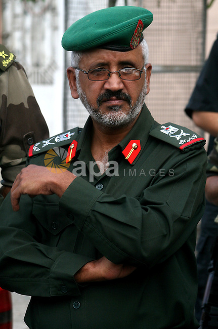 The director of the Palestinian national security , Hussein Abu Athra during campaign to check government vehicles for employees who work in the Palestinian government , in Gaza City on Nov. 1,2010 . Photo by Mohammed Asad