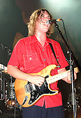 Oct 08, 2004: THE ZUTONS - Empire Shepherds Bush London