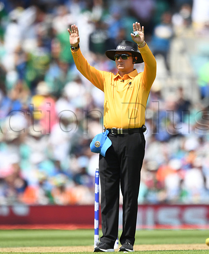 June 18th 2017, The Kia Oval, London, England;  ICC Champions Trophy Cricket Final; India versus Pakistan; Umpire signals for the six of Fakhar Zaman of Pakistan