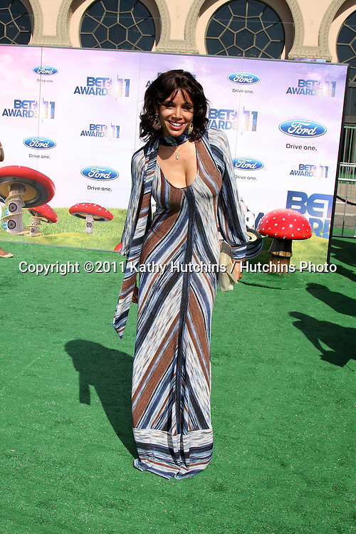 LOS ANGELES - JUN 26:  Mari Morrow arriving at the 11th Annual BET Awards at Shrine Auditorium on June 26, 2004 in Los Angeles, CA