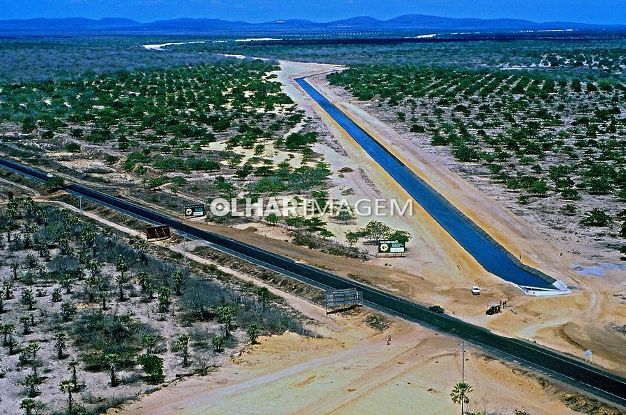 Aérea de canal de irrigação do Rio Jaguaribe. Ceará. 1993. Foto de Juca Martins.