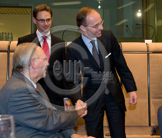 Brussels-Belgium, November 09, 2009 -- Wolfgang SCHÄUBLE (le) (Schaeuble, Schauble), Federal Minister for Finance of Germany, participates for the first time at the meeting of the Eurogroup; here, with Luc FRIEDEN (ri), Minister for Justice and Minister for the Treasury and the Budget of Luxembourg, and Jyrki KATAINEN (ce), Deputy Prime Minister and Minister for Finance of Finland -- Photo: Horst Wagner / eup-images