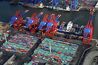 Container: EUROPA, DEUTSCHLAND, HAMBURG, (EUROPE, GERMANY), 10.03.2007: Container, Verladung, Containerverladung Predoehlkai Hamburger Hafen, HHLA Container Terminal Euro Kai, Elbe, Schiff, Seeschiff, Containerschiff, Logistik, Transport, Wirtschaft, Boom, Schatten, Elbe,  Aufwind-Luftbilder.c o p y r i g h t : A U F W I N D - L U F T B I L D E R . de.G e r t r u d - B a e u m e r - S t i e g 1 0 2, .2 1 0 3 5 H a m b u r g , G e r m a n y.P h o n e + 4 9 (0) 1 7 1 - 6 8 6 6 0 6 9 .E m a i l H w e i 1 @ a o l . c o m.w w w . a u f w i n d - l u f t b i l d e r . d e.K o n t o : P o s t b a n k H a m b u r g .B l z : 2 0 0 1 0 0 2 0 .K o n t o : 5 8 3 6 5 7 2 0 9.C o p y r i g h t n u r f u e r j o u r n a l i s t i s c h Z w e c k e, keine P e r s o e n l i c h ke i t s r e c h t e v o r h a n d e n, V e r o e f f e n t l i c h u n g  n u r  m i t  H o n o r a r  n a c h M F M, N a m e n s n e n n u n g  u n d B e l e g e x e m p l a r !.