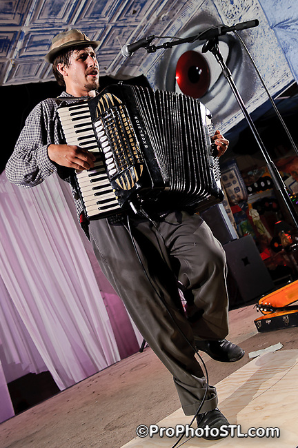 Jason Webley performing at 2720 Cherokee in St. Louis, MO on Nov 19, 2010.