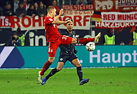 Joshua Kimmich (FC Bayern Muenchen) gegen Jonathan de Guzman (Eintracht Frankfurt) - 22.12.2018: Eintracht Frankfurt vs. FC Bayern München, Commerzbank Arena, DISCLAIMER: DFL regulations prohibit any use of photographs as image sequences and/or quasi-video.