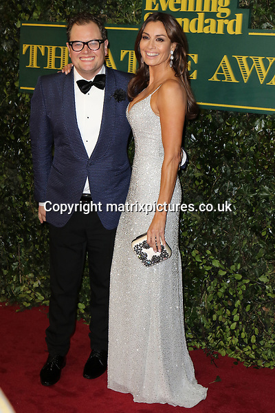 NON EXCLUSIVE PICTURE: MATRIXPICTURES.CO.UK<br /> PLEASE CREDIT ALL USES<br /> <br /> WORLD RIGHTS<br /> <br /> Alan Carr and Melanie Sykes attend the Evening Standard Theatre Awards 2017 at Theatre Royal, Drury Lane in London. <br /> <br /> DECEMBER 3rd 2017<br /> <br /> REF: MES 172784