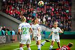 01.05.2019, RheinEnergie Stadion , Köln, GER, DFB Pokalfinale der Frauen, VfL Wolfsburg vs SC Freiburg, DFB REGULATIONS PROHIBIT ANY USE OF PHOTOGRAPHS AS IMAGE SEQUENCES AND/OR QUASI-VIDEO<br /> <br /> im Bild | picture shows:<br /> Sara Bjoerk Gunnarsdottir (VfL Wolfsburg #7) klärt vor Sharon Beck (SC Freiburg Frauen #10), <br /> <br /> Foto © nordphoto / Rauch