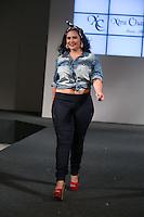 SÃO PAULO, SP, 24.07.2016 - MODA-SP - Desfile da marca Xtra Charmy durante o 14 Fashion Weekend Plus Size que acontece neste domingo, 24 no Centro de Convenções Frei Caneca. (Foto: Ciça Neder/Brazil Photo Press)