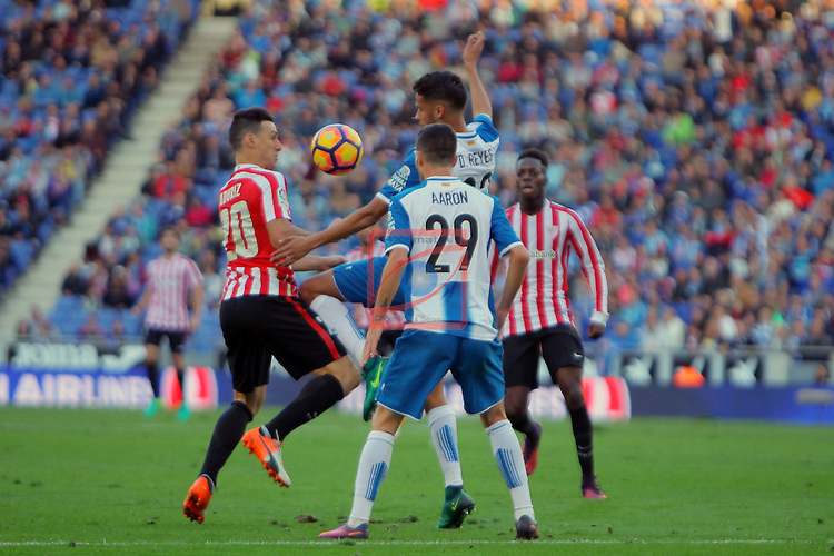 League Santander 2016/2017. Game: 11.<br /> RCD Espanyol vs Athletic Club: 0-0.<br /> Aritz Aduriz, Diego Reyes &amp; Aaron Martin.