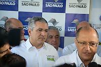 SAO PAULO, SP, 20 DE ABRIL DE 2013. CAMPANHA DE VACINACAO CONTRA A GRIPE 2013.  o Governador Geraldo Alckmin e o ministro da saúde, Alexandre Padilha,  durante o lançamento da campanha de vacinação contra a gripe 2013 na manhã deste sábado no Instituto Butantan na zona oeste da capital paulista  FOTO ADRIANA SPACA/BRAZIL PHOTO PRESS