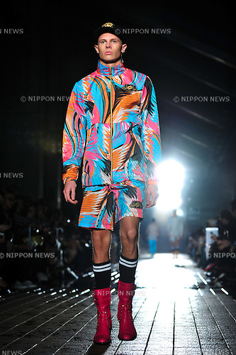October 17, 2012, Tokyo, Japan - A model poses on the catwalk wearing ''DRESSCAMP'' during Mercedes-Benz Fashion Week Tokyo 2013 Spring/Summer. The Mercedes-Benz Fashion Week Tokyo runs from October 13-20. (Photo by Yumeto Yamazaki/AFLO)