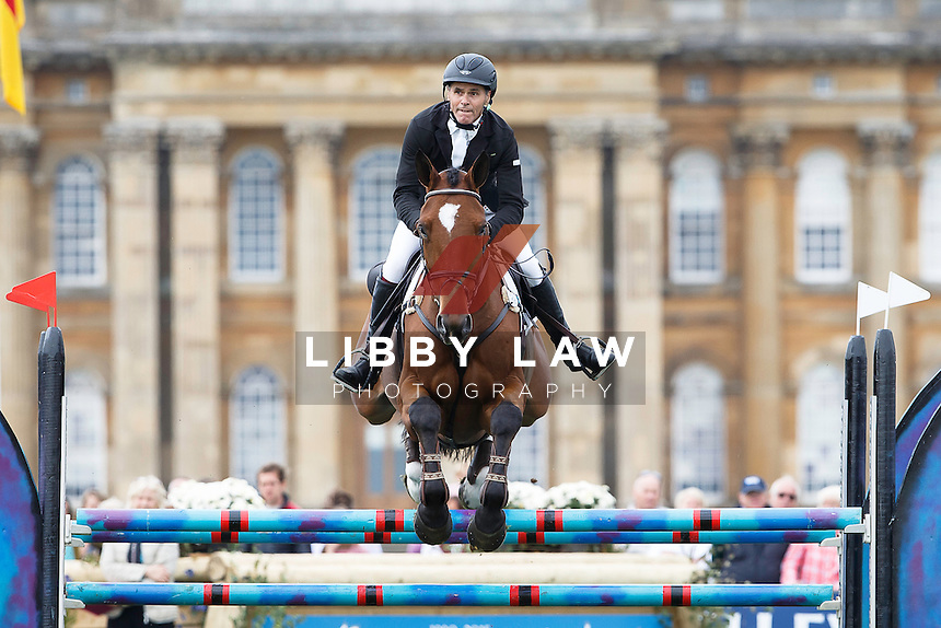 NZL-Blyth Tait (BEAR NECESSITY V) FINAL-28TH: CCI3* SHOWJUMPING: 2015 GBR-Blenheim Palace International Horse Trial (Sunday 20 September) CREDIT: Libby Law COPYRIGHT: LIBBY LAW PHOTOGRAPHY