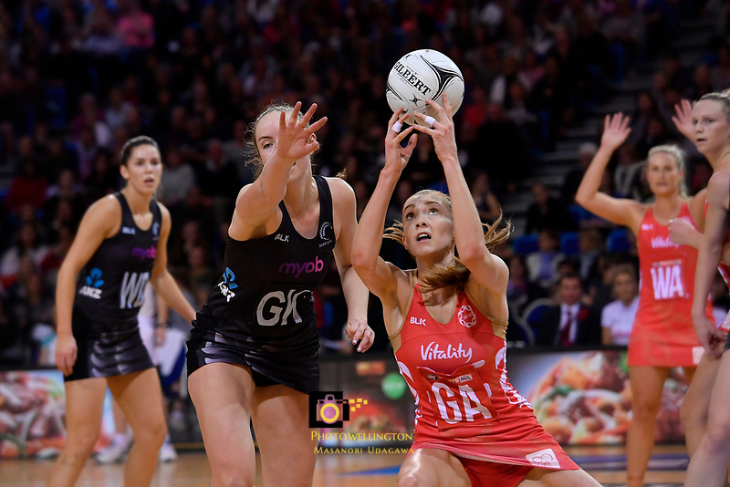 England's Helen Housby in action during the International Netball - NZ Silver Ferns v England Roses at Te Rauparaha Arena, Porirua, New Zealand on Thursday 7 September 2017.<br /> Photo by Masanori Udagawa. <br /> www.photowellington.photoshelter.com