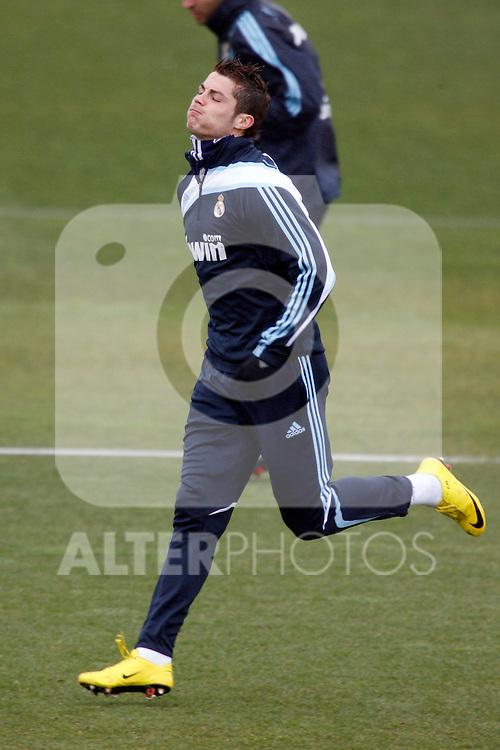 Madrid (25/02/10).-Entrenamiento del Real Madrid..Cristiano Ronaldo...© Alex Cid-Fuentes/ ALFAQUI..Madrid (25/02/10).-Training session of Real Madrid c.f..Cristiano Ronaldo...© Alex Cid-Fuentes/ ALFAQUI.