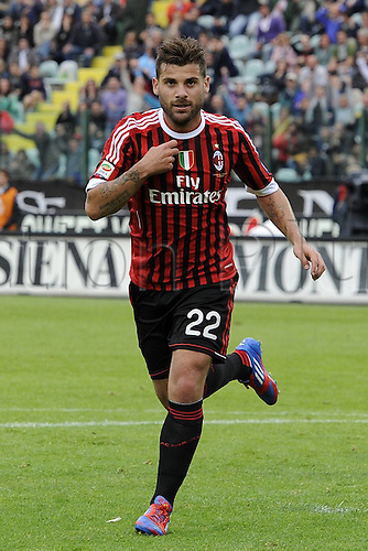 29.04.2012. Siena, Italy.  Series A Siena versus AC Milan Photo shows goal celebrations Antonio Nocerino