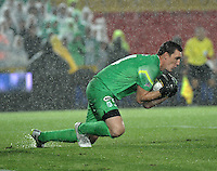 BOGOTA - COLOMBIA -27 -01-2015: Franco Armani, portero del Atletico Nacional, en accion durante partido de vuelta entre Independiente Santa Fe y Atletico Nacional por la Super Liga 2015, en el estadio Nemesio Camacho El Campin de la ciudad de Bogota.  / Franco Armani, goalkeeper Atletico Nacional in action during the match between Independiente Santa Fe and Atletico for the second leg of the Super Liga 2015 at the Nemesio Camacho El Campin Stadium in Bogota city. Photo: VizzorImage / Luis Ramirez / Staff.