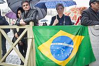 Una pellegrina del Brasile ne secondo giorno di coclave. Papa Francesco viene eletto come successore di San Pietro Marzo 14, 2013. Photo: Adamo Di Loreto/BuenaVista*photo