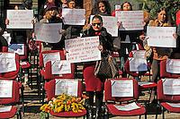 Festa delle Donne. Sedie vuote per ricordare le vittime della violenza sulle donne
