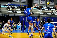 GRONINGEN - Volleybal, Lycurgus - TT Papendal, Alfa College, Eredivisie,  seizoen 2018-2019, 31-01-2019,  Lycurgus speler Wytze Kooistra knalt de bal over het net
