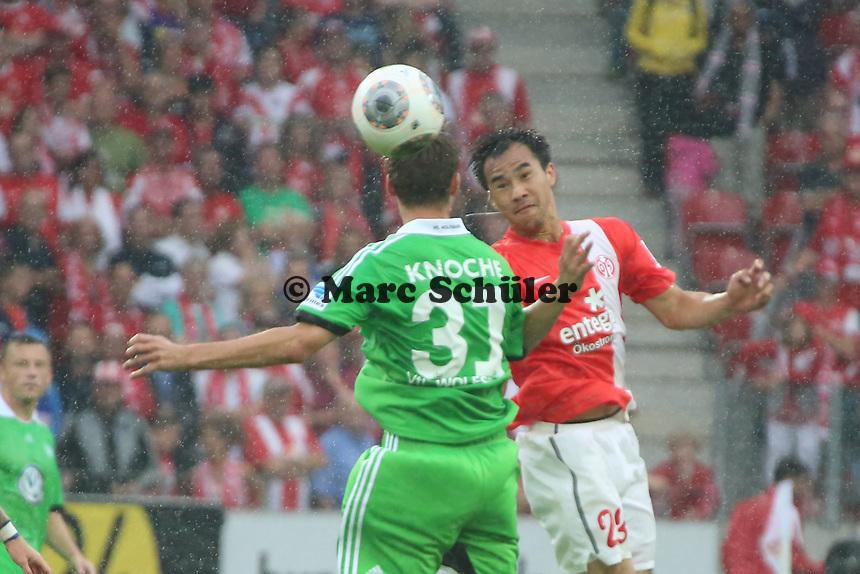 Robin Knoche (VfL) gegen Shinji Okazaki (Mainz) - 1. FSV Mainz 05 vs. VfL Wolfsburg, Coface Arena, 3. Spieltag