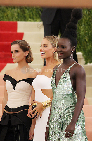 05 02 2016: Emma Watson, Margot Robbie, Lupita Nyong'o at Manus X Machina: Fashion In An Age of Technology at Metropolitan Museum of Art in New York. Credit:RWMediaPunch