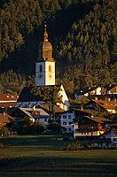 Europe/Autriche/Tyrol/Stams: Le village et l'église abbatiale