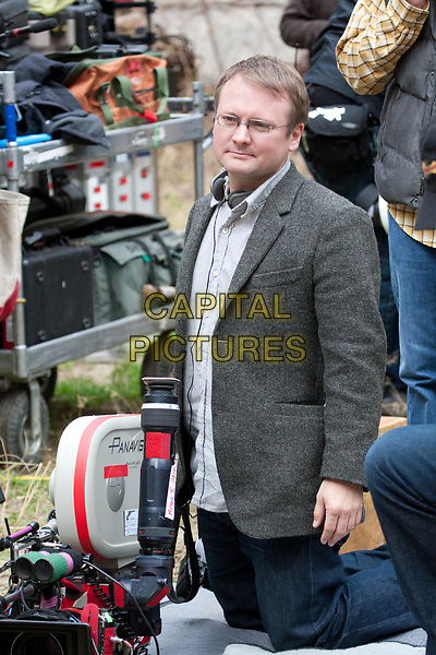 Looper (2012)<br /> Writer/ Director Rian Johnson on the set of <br /> *Filmstill - Editorial Use Only*<br /> CAP/KFS<br /> Image supplied by Capital Pictures