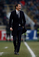 Calcio, Serie A: Bologna vs Juventus, stadio Renato D'Allara, Bologna,17 dicembre 2017.<br /> Juventus' coach Massimiliano Allegri speaks to his players during the Italian Serie A football match between Bologna and Juventus at Bologna's Renato D'Allara stadium, December 17, 2017.<br /> UPDATE IMAGES PRESS/Isabella Bonotto