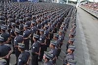 SÃO PAULO,SP,27.05.2015 - SEGURANÇA-SP - Formatura de 2.614 novos soldados da Polícia Militar de 2ª classe que irão reforçar o efetivo da corporação e o patrulhamento preventivo e ostensivo nas ruas de todo o Estado. Para a Capital serão destinados 1.548 PMs, para a Grande São Paulo serão 436 e ao interior, 630 novos policiais, a formatura foi realizada no Sambódromo do Anhembi região norte de São Paulo na manhã desta quarta-feira,27. (Foto : Marcio Ribeiro / Brazil Photo Press)