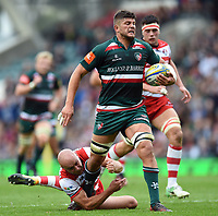 Mike Williams of Leicester Tigers takes on the Gloucester Rugby defence. Aviva Premiership match, between Leicester Tigers and Gloucester Rugby on September 16, 2017 at Welford Road in Leicester, England. Photo by: Patrick Khachfe / JMP