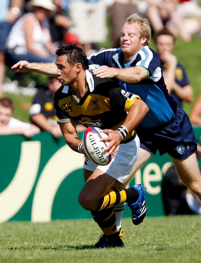 Photo: Richard Lane/Richard Lane Photography..Newbury v London Wasps. Pre Season Match. 25/08/2007. .Wasps' Riki Flutey attacks.