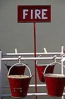 """Asie/Inde/Rajasthan/Udaipur: Hôtel """"Shiv Niwas Palace"""" - Près du """"City Palace"""" - Seau de sable  pour la lutte contre les incendies"""