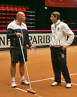 The Netherlands, Den Bosch, 16.04.2014. Fed Cup Netherlands-Japan, Dutc Captain Paul Haarhuis and coach Raymond Knaap (L)<br /> Photo:Tennisimages/Henk Koster