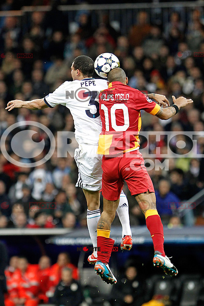 Real Madrid's Pepe and Galatasaray's Felipe Melo during the quarter final Champion League match. April 3, 2013.(ALTERPHOTOS/Alconada)