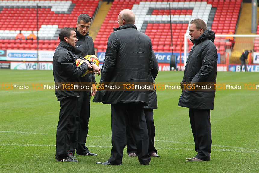 Ref Keith Stroud and fellow officials - Charlton Athletic vs Leeds United - Sky Bet Championship Football at The Valley, London - 09/11/13 - MANDATORY CREDIT: Simon Roe/TGSPHOTO - Self billing applies where appropriate - 0845 094 6026 - contact@tgsphoto.co.uk - NO UNPAID USE