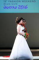 SÃO PAULO, SP, 06.03.2016 - FWPS-EDSON EDDEL NOIVAS - Modelo durante desfile da grife Edson Eddel Noivas no Fashion Weekend Plus Size - Inverno 2016, no Teatro APCD no bairro de Santana na região norte de São Paulo, neste domingo, 06. (Foto: William Volcov/Brazil Photo Press)