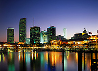 USA, Florida, Miami: Skyline am Abend | USA, Florida, Miami: skyline at night